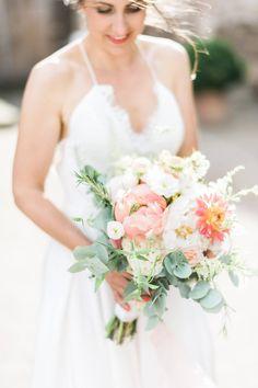 Stunning boho wedding bouquet