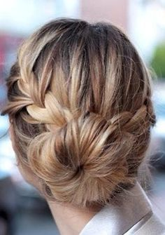 Check out these cute hairstyles that you can copy in 10 minutes or less!