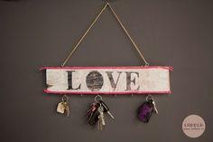 Ideas de Cadoca  Storage keys palet diy Cuelga llaves hogar Decoracion