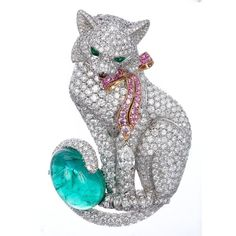 Diamond Cat Pin::Fabergé