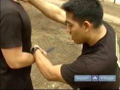 Krav Maga Self Defense Techniques : Forward Stab Defense Move for Krav Maga Krav Maga Self Defense, Self Defense Tips, Self Defense Weapons, Self Defense Techniques, Personal Defense, Aikido, Israeli Krav Maga, Learn Krav Maga, Martial Arts Techniques