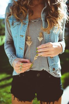 #New Fashion 2018 Denim Vest combine - 20 modern street style outfits #sumerfashion #fall #best #fashionIdeas#Denim #Vest #combine #- #20 #modern #street #style #outfits