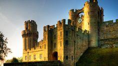 Visita el Castillo de Warwick con más de 1000 años de historia y conoce Statford Upon Avon, la ciudad donde nació Shakespeare. Un plan entre naturaleza y entorno medieval totalmente mágico para disfrutar en pareja.