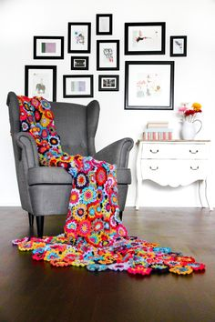 Crochet Japanese Flower Blanket with Free Pattern