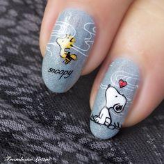 Blog dédié au stamping nail art. Retrouvez les photos, les plaques, les vernis et comment j'ai réalisé chaque nail art.
