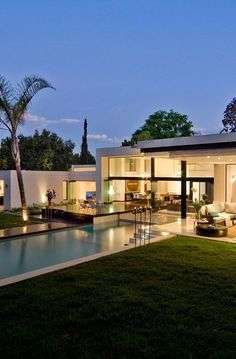 Architecture Beast: Awesome houses: Mosi residence by Nico van der Meulen || architecture | modern | house | home | residence | beautiful | contemporary | facade ||