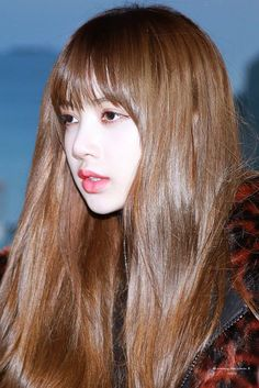 Trang chủ / Twitter Thai Princess, Blackpink Lisa, Beautiful Eyes, South Korean Girls, Rapper, Celebs, Singer, Long Hair Styles, Twitter