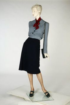 Utility suit by Victor Stiebel?, 1942, London, the V & A Museum.