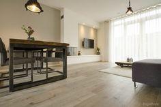 Mooie houtlook tegels geleverd voor een woning in Breda. Deze houtlook tegel vloer is leverbaar in de maten 20x120 en 20x170.