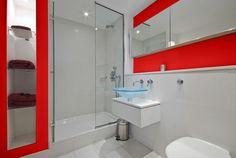kleines bad einrichten badideen rot akzente