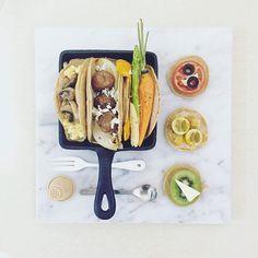 . good morning dear dear sunday :-)))))))) . #goodmorning #morning #breakfast #yummy #goodfood #instafood #onthetable  #homemade #foodie #foodstagram #foodphotography #foodphoto #yum #top_food_of_instagram #S_S_iloveBreakfast #朝食 #早餐 #朝ごパン #鬆餅 #全麥鬆餅 #pancake #wholewheatpancake  #パンケーキ #butter_carrot+asparagus+babycorn+pumpkin_onion+meatball_mushroom+cheesescrambledegg_pancake #cheese+kiwi_olive+tomato_kumquat_pancake