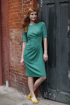 Greta Dress Green from the Spring Collection by Shabby Apple Pin Up Dresses, Modest Dresses, Modest Outfits, Stylish Dresses, Classy Outfits, Modest Fashion, Pretty Outfits, Cute Dresses, Dresses For Work