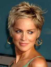 Coupes courtes sharon stone julypaulaviola web for Coupe de cheveux sharone stone