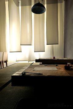 KURA Noodle shop & more / designed by projekt i Japanese Bar, Japanese Home Decor, Japanese Modern, Japanese Interior, Japanese House, Japanese Design, Chinese Tea Room, Japanese Restaurant Design, Design Oriental