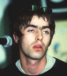 A world come undone at the seams Gene Gallagher, Lennon Gallagher, Liam Gallagher Oasis, Oasis Live Forever, Oasis Band, Liam And Noel, Indie Boy, Come Undone, Britpop