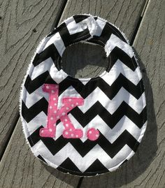 Personalized baby bib  @Lauren Davison Davison Davison Minton this is for your kid.