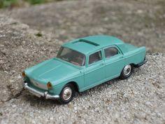 Norev Peugeot 404 1/43ième bleue N°51