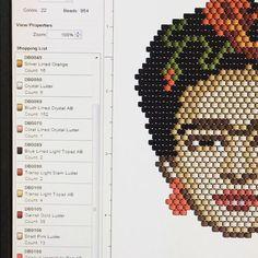 """115 Likes, 9 Comments - ⠀⠀⠀⠀⠀⠀⠀⠀⠀⠀TATIANA (@t_a_t_s_i) on Instagram: """"Vous êtes tenté par cette broche Frida Coquelicot?  Le diagramme est en vente dans ma boutique ALM.…"""""""