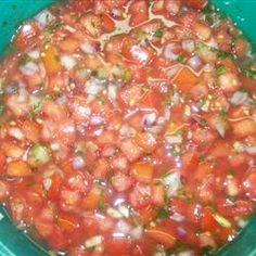 This salsa recipe is AWESOME! Easy to make and delicious! PIN