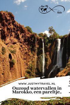 De Ouzoud watervallen in Marokko zijn werkelijk een pareltje om te bezichtigen. Vanuit Marrakech rijd je er binnen 2 uur naartoe. Je kunt er mooie hikes maken en genieten van het uitzicht. Ook kun je nog even op de fotos met de makaken die er vrij rondlopen! Kijk uit voor je spullen! www.justmytravel.nl #Marokko #Ouzoud #watervallen #dagtocht #makaak #apen