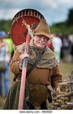 reenactor-dressed-as-medieval-rat-catcher-at-tewkesbury-medieval-festival-bb95d0.jpg (347×540)