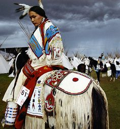 Native American Beauty Pageant winner Acosia Red Elk waits for a parade at the tipi village, a part of the Pendleton Round-Up rodeo since its 1910 inception. (Photograph by William Albert Allard, National Geographic) Native American Horses, Native American Beauty, American Indian Art, Native American History, American Indians, Image American, American Life, Navajo, Pendleton Round Up