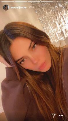 Kendall Jenner Video, Kendall Jenner Photoshoot, Kendall Jenner Instagram, Kendall Jenner Outfits, Brown Hair Looks, Black And White Girl, Bad Girl Aesthetic, Kardashian Jenner, Curly Hair Styles