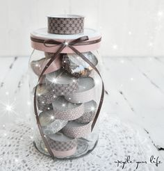 adventskalender im glas. gift for girlfriend Diy Food Gifts, Jar Gifts, Homemade Gifts, Diy Gifts For Girlfriend, Gifts For Coworkers, Boyfriend Gifts, Diy Christmas Presents, Christmas Crafts, Christmas Decorations