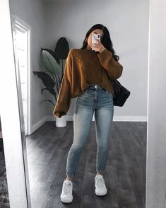 Brand new with tags size 2 skinny jeans Trendy Fall Outfits, Winter Fashion Outfits, Cute Casual Outfits, Simple Outfits, Look Fashion, Stylish Outfits, Semi Casual Outfit Women, Polished Casual, Jugend Mode Outfits