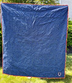 """Chicago cotton quilt 55""""x 62"""" fabric both sides Picnic / travel with 2 pillows Chicago Football, Chicago Bears, Quilted Gifts, Amish Quilts, Quilts For Sale, Custom Quilts, Baby Quilts, Wedding Gifts, Picnic"""