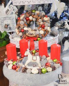 Christmas wreath, table decoration / Adventi koszorú és kopogtató hintalóval