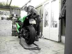 Kawasaki Zx6r 2007 Two Bros Slip on - YouTube