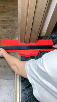 Trying to duplicate profiles and contours on your woodworking or auto body projects? Work with less hassle with the HomeFix™ Contour Duplication Gauge! Copy the exact measurements and shapes with ease! Get Yours Here: BIBTIC.NET 𝗙𝗥𝗘𝗘 𝗦𝗛𝗜𝗣𝗣𝗜𝗡𝗚 ✈️. Diy Home Repair, Cool Gadgets To Buy, Home Gadgets, Work Tools, Cool Inventions, Home Repairs, Diy Home Improvement, Woodworking Tools, Home Projects