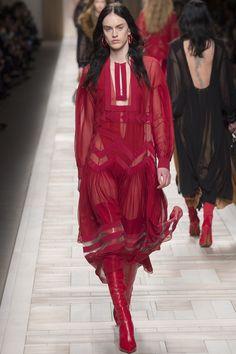 Runway #style #MFW Fall17: Fendi's anti-fairy tale treatise on Rome is covet-worthy