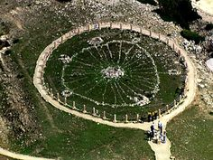 Big Horn Medicine Wheel, Wyoming. The Wheel's 28 spokes correspond with the 28 struts in the Oglala Souix Medicine lodge and carefully sited cairns indicate important star-rise positions.