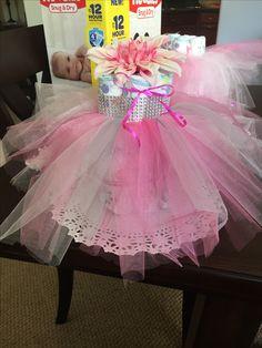 #diapercake #tutu #centerpiece #babyshower #pink #girl