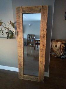 Mur en bois de grange et ardoise plancher de bois franc for Miroir en pied ikea