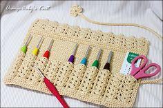 Prettiest Crochet Case I've seen Crochet Hook Case, Crochet Motif, Crochet Stitches, Knit Crochet, Crochet Patterns, Crochet Tools, Crochet Gifts, Crochet Projects, Crochet Organizer