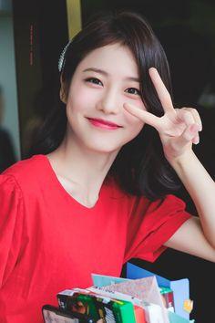 Korean Actresses, Asian Actors, Korean Actors, Actors & Actresses, Korean Look, Korean Star, Korean Girl, Celebrities Then And Now, Korean Celebrities