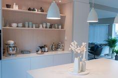 Kjøkkenet vårt – Villafunkis.no Decoration, Bathroom Medicine Cabinet, Buffet, Kitchen, Home Decor, Modern, Decor, Cooking, Decoration Home