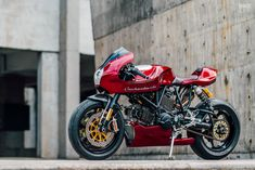 reworks the iconic Ducati Onehandmade reworks the iconic Ducati ? Onehandmade reworks the iconic Ducati ? Ducati Cafe Racer, Cafe Racers, Custom Choppers, Custom Motorcycles, Custom Bikes, Triumph Motorcycles, Custom Sportster, Bobber, Lamborghini Gallardo
