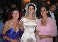 danish-royal-fashion:    Mary with her friend Simone and her sister at her wedding.