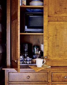 For the Dream Home Storage Solutions - hide microwave and other kitchen electrics in a big cabinet l Modern Farmhouse Kitchens, Country Kitchen, Cool Kitchens, Country Living, Maple Kitchen, New Kitchen, Kitchen Decor, Kitchen Armoire, Kitchen Storage