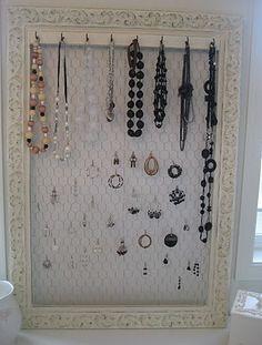 DIY: Frame Jewelry Holder... ♥