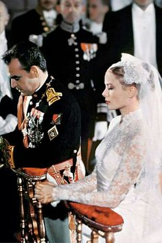 Grace Kelly était une actrice américaine, devenue princesse de Monaco par son mariage avec Rainier III en 1956 #france #french princess #beautiful