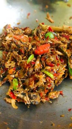 Tongkol Suwir Simple Fish Recipes, Seafood Recipes, Asian Recipes, Cooking Recipes, Healthy Recipes, Junk Food Snacks, A Food, Food And Drink, Easy Sauce Recipe
