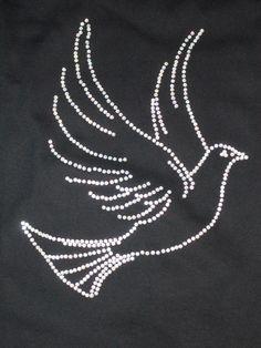 T-Shirt mit Taube aus Strass - Unikat - von Hand gelegt www.tachinedas-kreativshop.com T-Shirt with Dove made of rhinestones