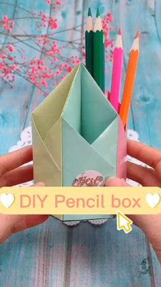 Paper Crafts Origami, Fun Diy Crafts, Paper Crafts For Kids, Diy Arts And Crafts, Diy Paper, Handmade Crafts, Instruções Origami, 5 Minute Crafts Videos, Art Drawings For Kids