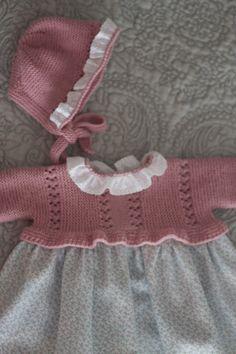 Porque los faldones no siempre son lenceros. Hoy os enseño un faldón sin lazos ni piqué.     En rosa empolvado, con tela villela de flo...