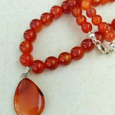 New and ideal for festive occasions: Carnelian pearls gemstone necklace